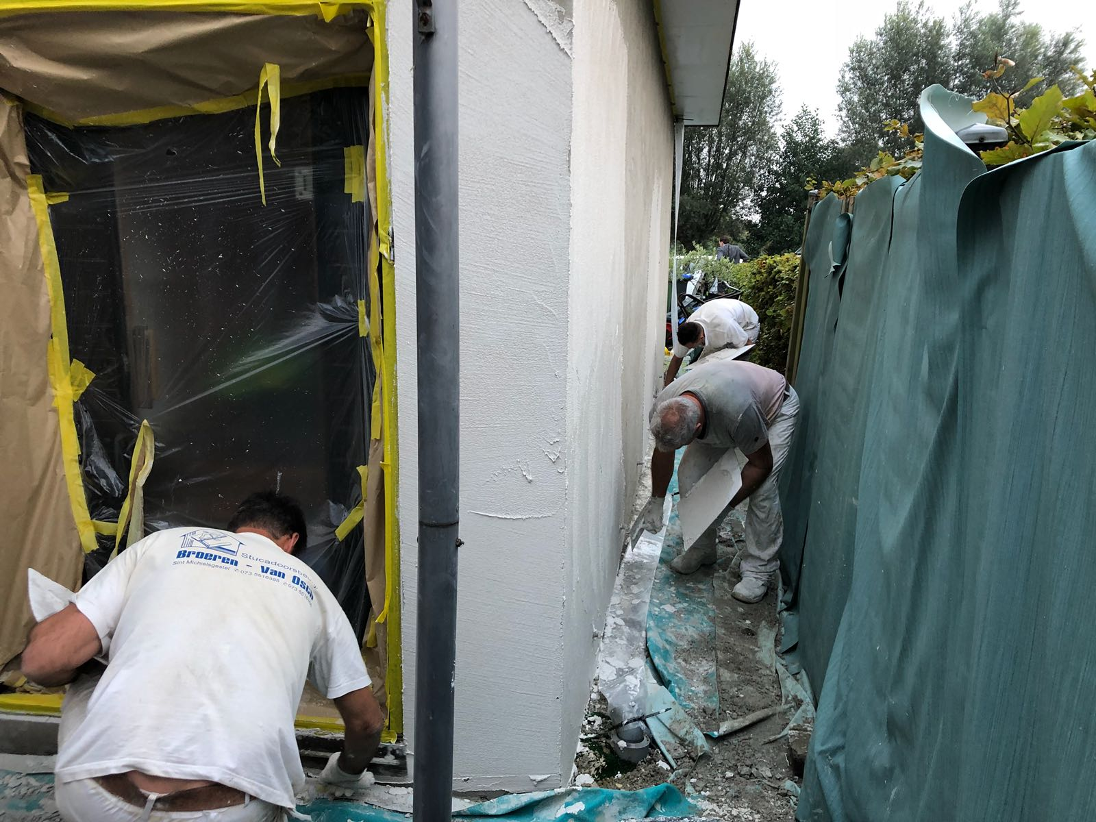 Stucwerk met dampdoorlatende tex voor buiten in Schelluinen - Stucadoorsbedrijf Broeren van Osch 2