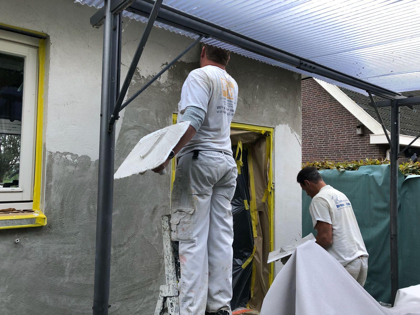 Stucwerk met dampdoorlatende tex voor buiten in Schelluinen - Stucadoorsbedrijf Broeren van Osch 3